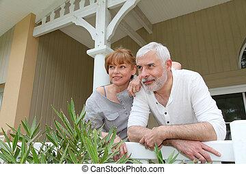 posición, pareja, su, retrato, frente, hogar, 3º edad