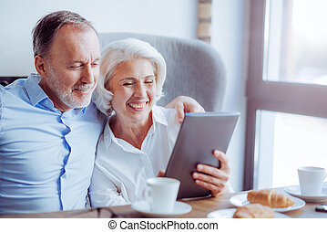 positif, personne agee, aimer couple, reposer, dans, les, café