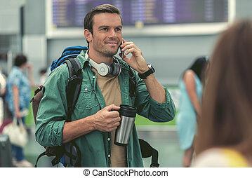 positivo, homem, é, falando telefone móvel