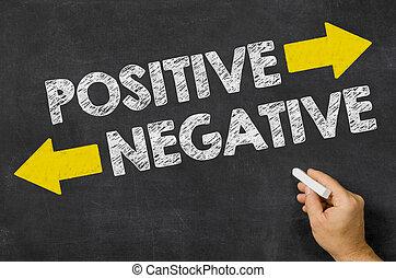positivo, ou, negativo, escrito, ligado, um, quadro-negro
