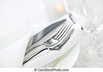 posponga colocación, el cenar fino