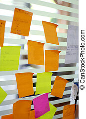 post it reminders in office
