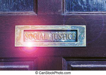 postaláda, szöveg, justice., mail., retro, fából való, előjogok, öreg, társadalmi, ajtók, írás, belül, társadalom, kézírás, doors., fogalom, belépés, kilyukaszt, jelentés, vagyon, egyenlő