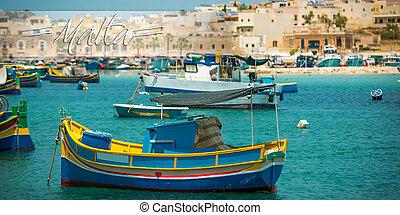 postkaart, met, vissersboten, dichtbij, dorp, van, marsaxlokk