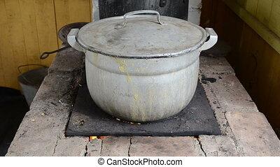 pot flow run burn fluid