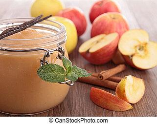pot with applesauce