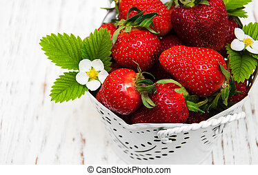 Pot with strawberries
