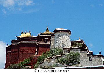 Potala Palace - Famous landmark of the Potala Palace in...