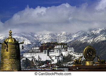 Potala Palace with golden top in Jokhang Monastery, Lhasa, ...