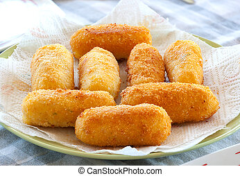 Potato croquettes fried with mozzarella cheese