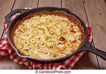 Potato gratin with cream