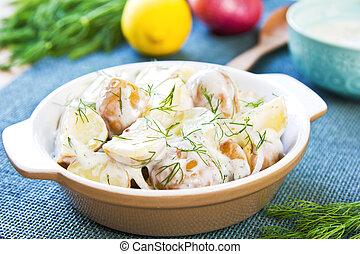 Potato with sour cream dressing salad