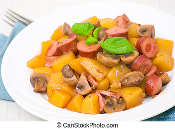 potatoes with mushrooms and sausage