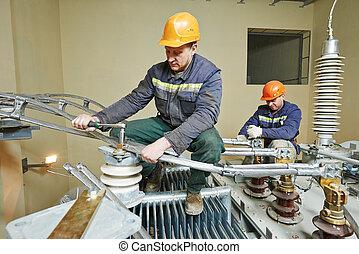 Poste trabajo electricista delantero potencia foto for Trabajo de electricista en malaga