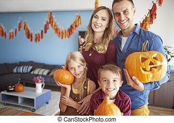 potirons, halloween, famille, tenue, heureux