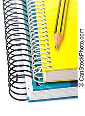 potlood, op, een, twee, notitieboekjes