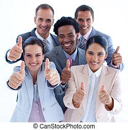 pouces, équipe, business, multi-ethnique, haut haut, angle