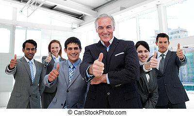 pouces, équipe, business, multi-ethnique, haut, heureux