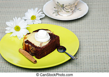 pound cake with whip cream