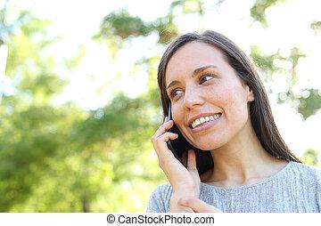 pourparlers, téléphoner femme, parc, heureux