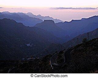 pourpre, montagne, coucher soleil