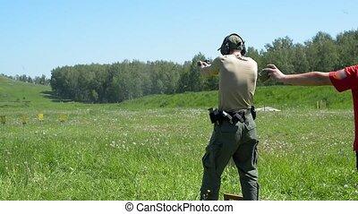 pousse, fusil, range., objectifs s'élance, homme