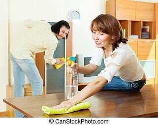poussière, maison, couple, essuyer