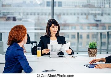 povolání, technika, a, úřad, pojem, -, usmívaní, samičí, boss, mluvil ku, mužstvo