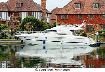 Power boat docked
