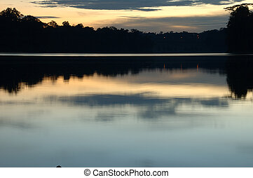 this photography look like the art printing, i am capture at the reservoir evening time, using the sunset lighting to get the good refection, look peaceful.
