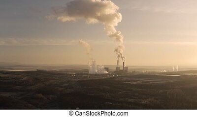 Power Plant Smoke - Power plant polluting the atmosphere in ...
