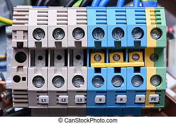 Power supply electrical terminals with cables