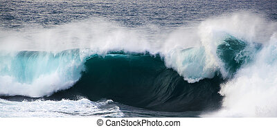 powerful ocean wave breaking