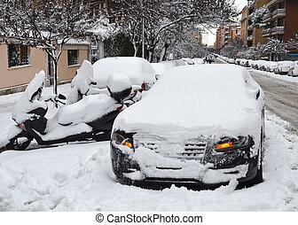 powerless car snow bound in winter season