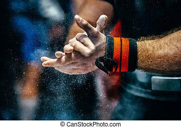 powerlifter, deportes, macho, wristbands, mano, talc
