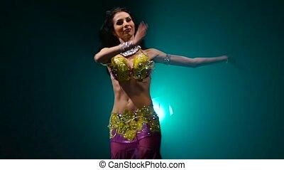 powolny, występuje, stage., taniec, motion., do góry, arab, ...