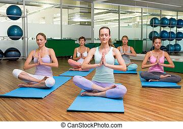 poza, yoga klasa, uśmiechanie się, lotos, stosowność, studio