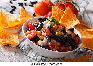 poziomy, czarnoskóry, food:, fasola, nachos, closeup., meksykanin salsa