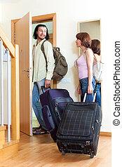 pozitív, párosít, noha, poggyász, alatt, otthon, folytatódik holiday