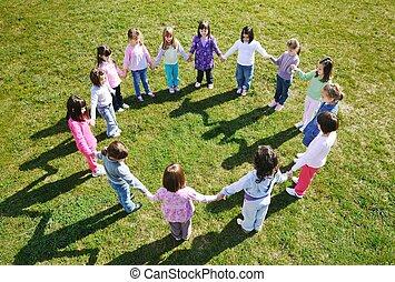 pré-escolar, crianças, ao ar livre, divirta