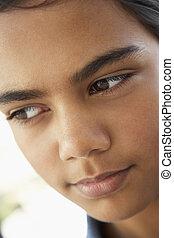 préadolescent, regarder, girl, portrait, inquiété