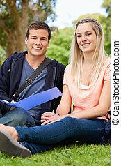 précepteur, portrait, portion, sourire, réviser, adolescent