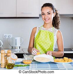 préparant dîner, croquettes, savoureux, girl