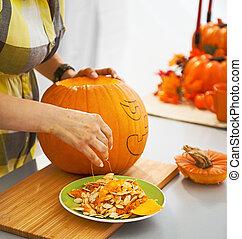 préparer, grand, halloween, femme foyer, closeup, fête, citrouille