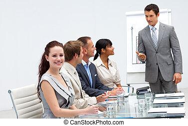 présentation, beau, femme affaires