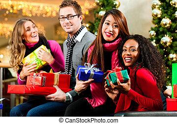 présente, sacs, centre commercial, amis, noël