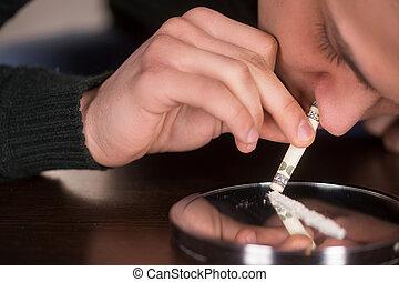 prüszköl, belehel, dollár, kábítószer, elterjed, birtok,...