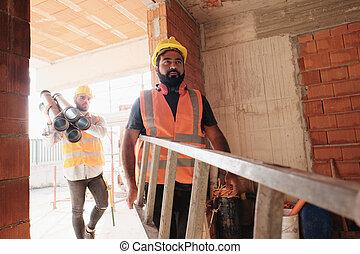 pracownicy, w, umieszczenie zbudowania, używając, narzędzia, i, ciężkie zaopatrzenie