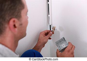 pracownik, naprawiając, elektryczny, instalacja