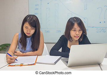 pracownik, pracujące biuro, asian